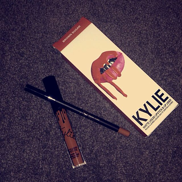 Kylie Jenner Liquid Matte Lipstick - Brown Sugar