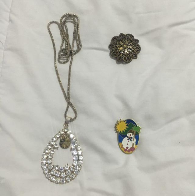Necklace (kalung)