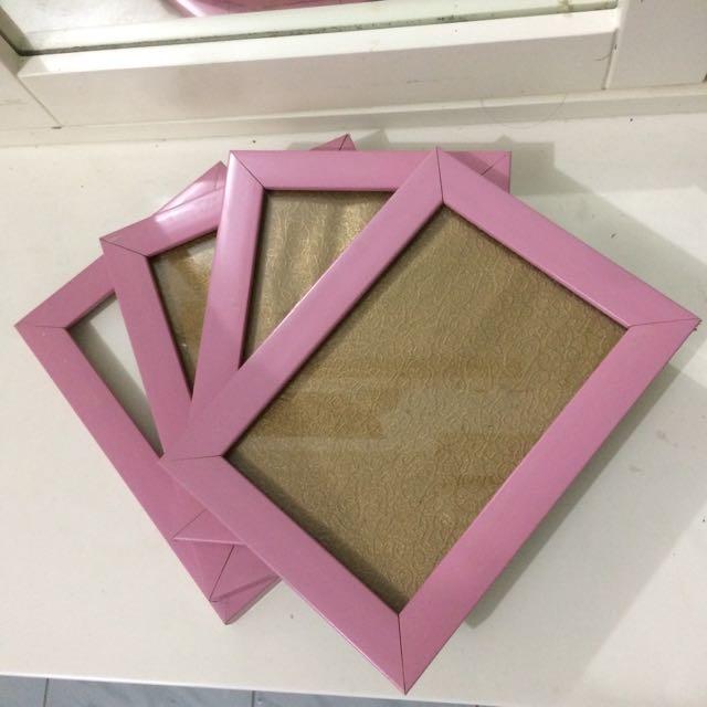 Pigura Pink