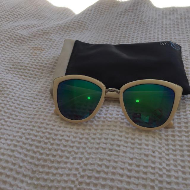 Quay My Girl Sunglasses (replica)