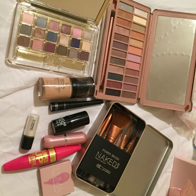 Replica Naked3 Brushes,revlon Foundation,mac Highlighter,mac Liquid Eye Liner,maybely  Water Proof Mascara,Estée Lauder Eye Make Up,naked7 Eye Make Up