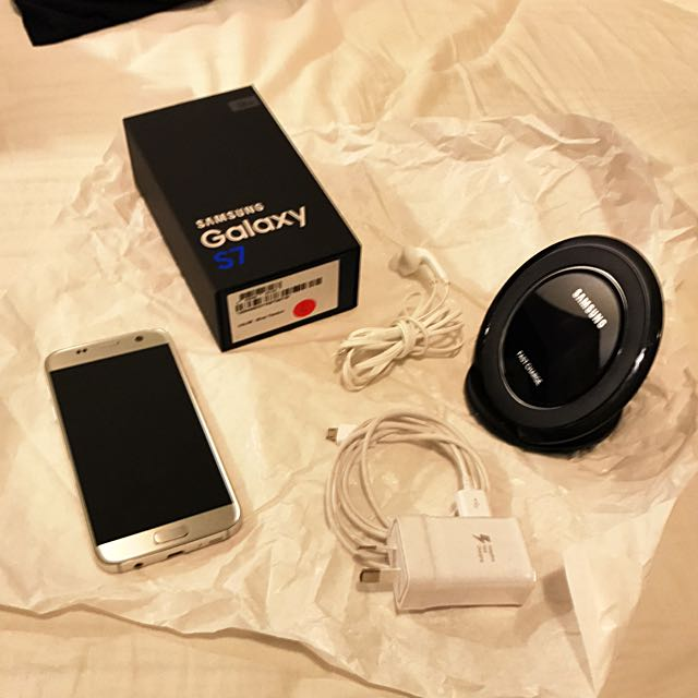Samsung Galaxy S7 32GB+32GB Card + Wireless Charger + Cases