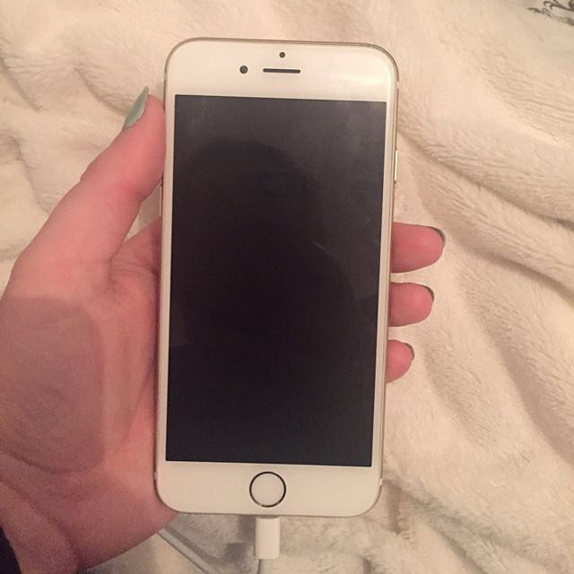 Telus iPhone 6 In Silver/white! $480
