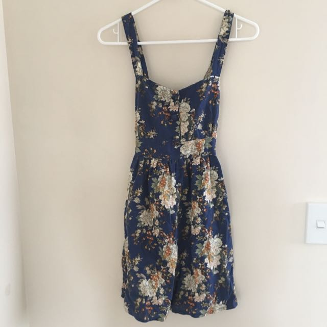 Vintage Inspired Floral Tie Back Dress