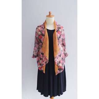 / Flower Outer /