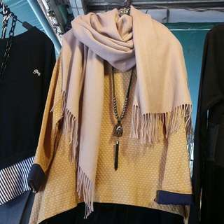 上衣+圍巾