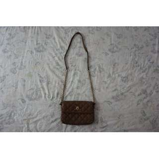 100% Authentic Marc Jacobs Quilted Soft Tan Leather Sling Bag w/ Gold Hardware RRP $759.00