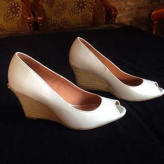 White Wedges Dexflex Comfort