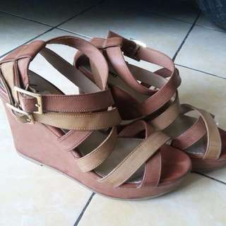 wedges Fioni Payless