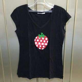 Giordano V-neck Strawberry Glitter
