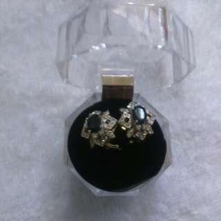 Black Onix with Diamond studs