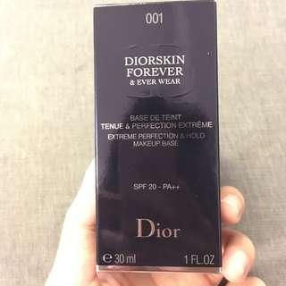 Dior 飾底乳