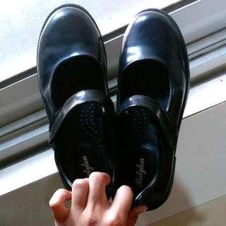 學生圓頭皮鞋
