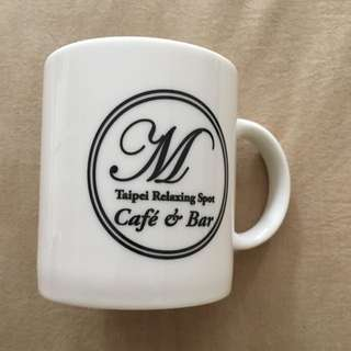 M Cafe&Bar 馬克杯 特價180元