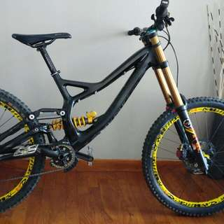 Specialized S-works Demo 8 Dh Bike (Carbon), Ohlins Shox