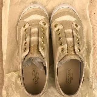 Coach鞋子