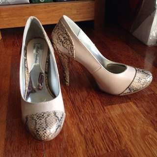 Brand New Nude Snake Skin Heel Pumps Size 36-36.5