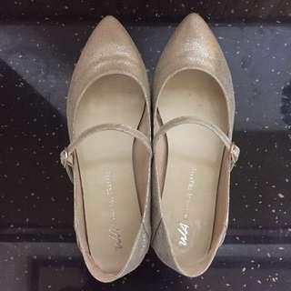 9成新日本Oriental Traffic香檳金尖頭平底鞋