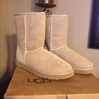 Classic UGGS - Woman's 8-8.5! $130! New