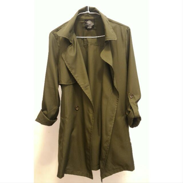 軍綠色西裝外套