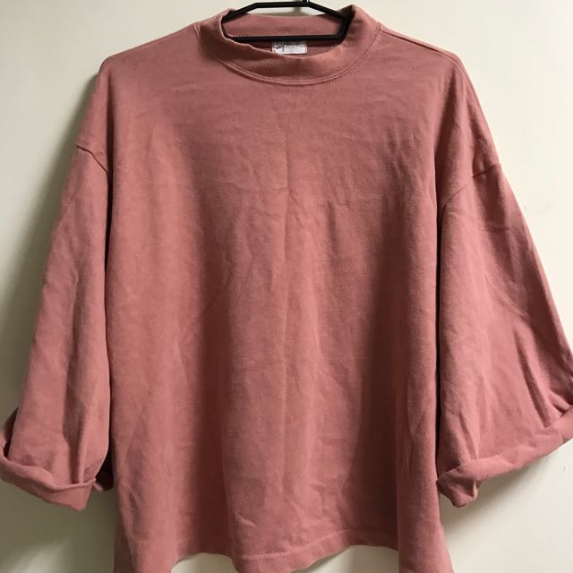 粉色五分袖上衣