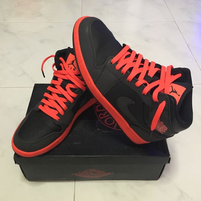 detailed look d1fcf 54809 AIR JORDAN 1 MID  INFRARED 23  (With Reflective 3M Overlays), Men s Fashion  on Carousell