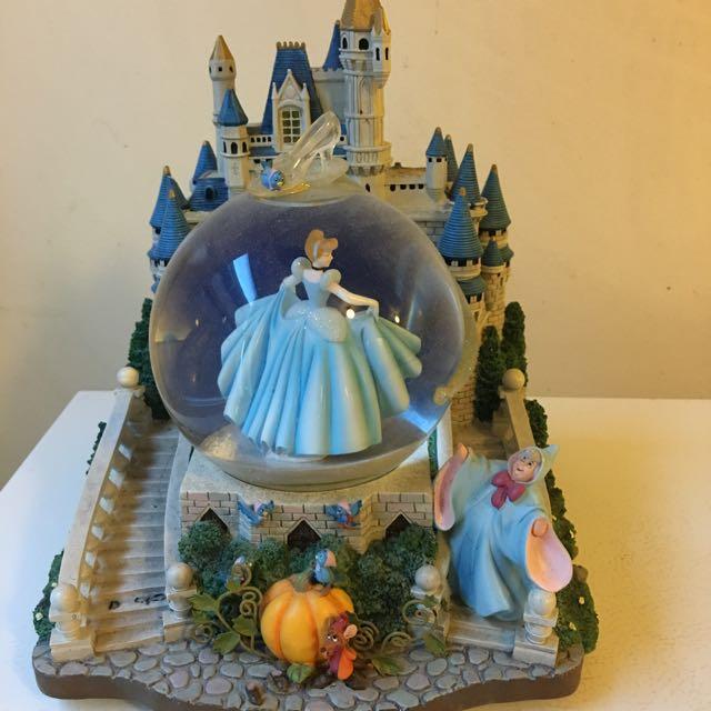 Authentic Disney Cinderella Snow Globe - castle lights up + music