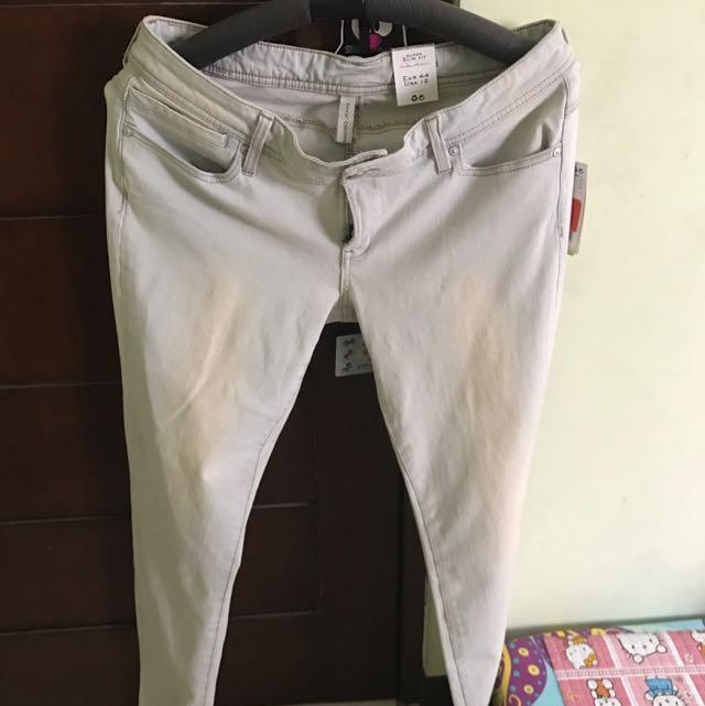 Celana Mango