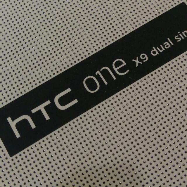 HTC X9 六月購入,保固ㄧ年, 想換機便宜賣