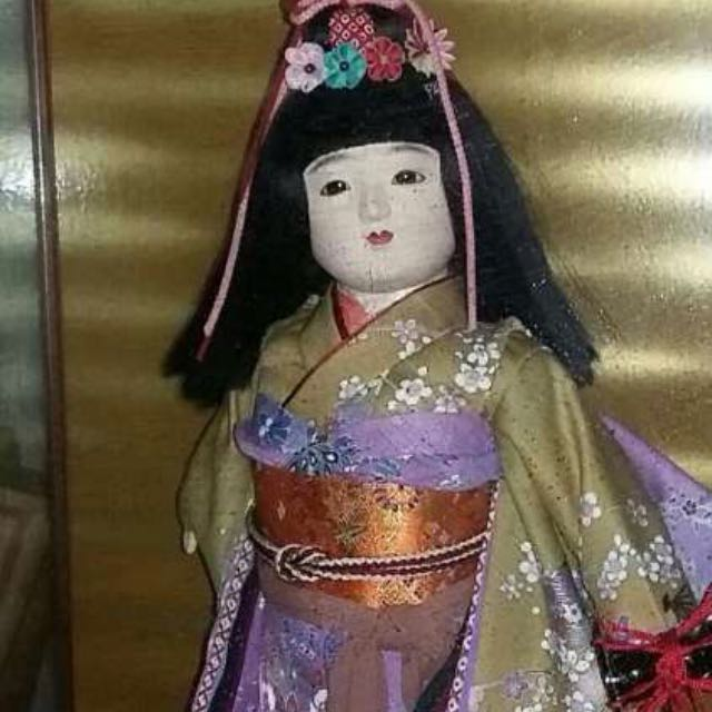 Japanese Doll Display with Glassframe