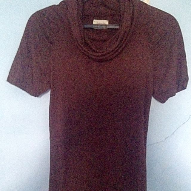 Kashieca Plain Top With Plunging Neck Line