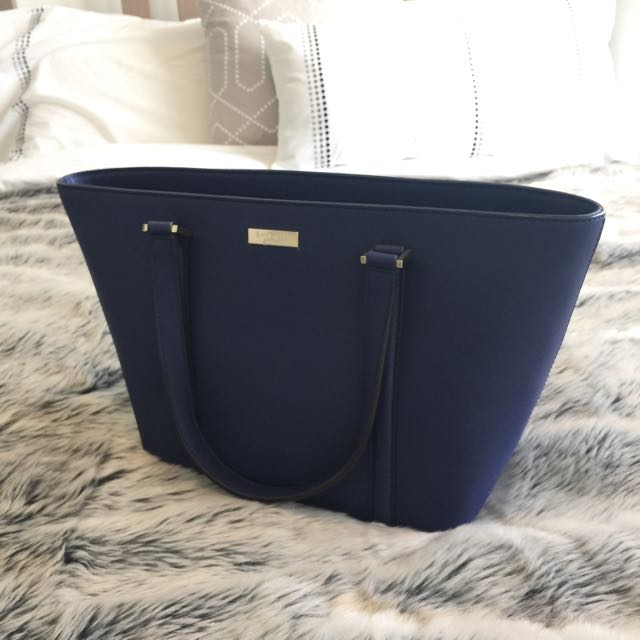 Kate Spade Small Daily Purse Brand New With Tag
