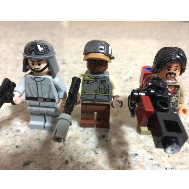 LEGO Star Wars 75153 Baze Malbus with Blaster /& Backpack