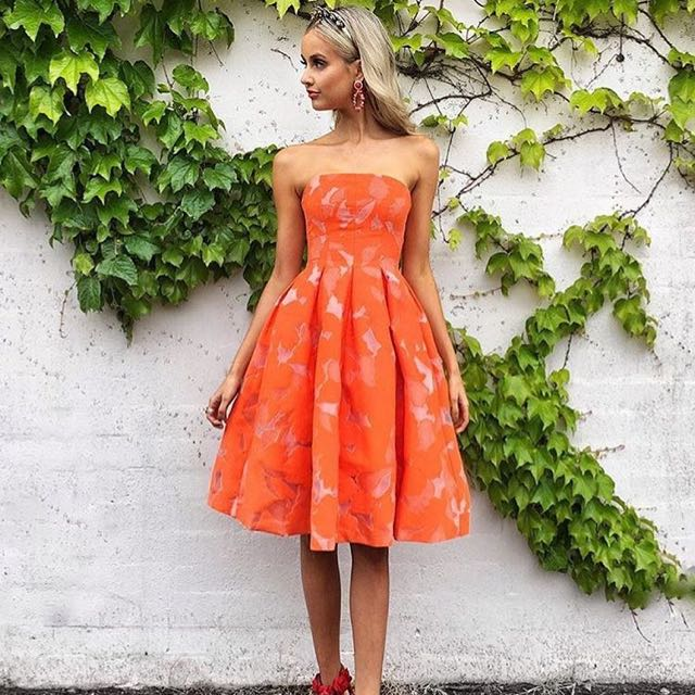 LOOKING FOR THIS DRESS (KOOKAI SIZE1)