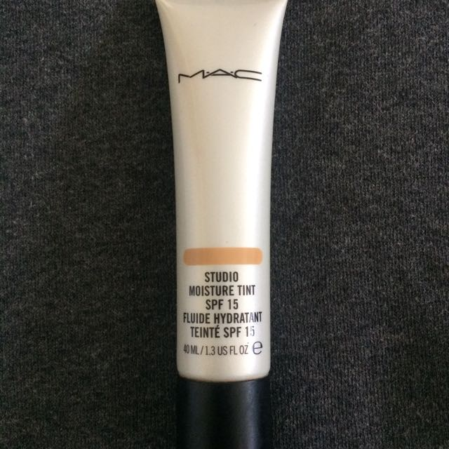 DISCONTINUED!!! MAC Studio Moisture Tint