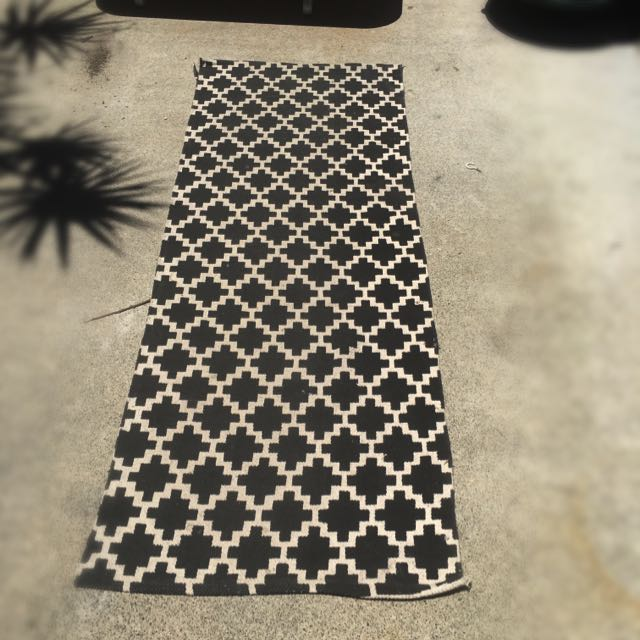 Modern Black And White Rug