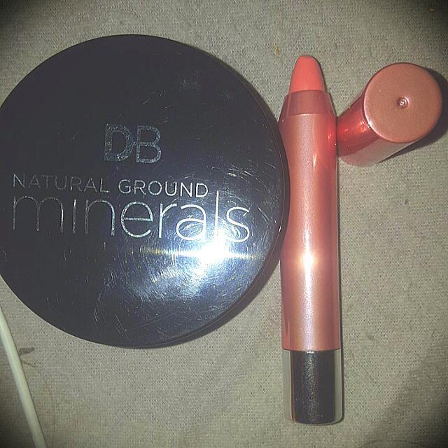 powder foundation &lip colourbalm