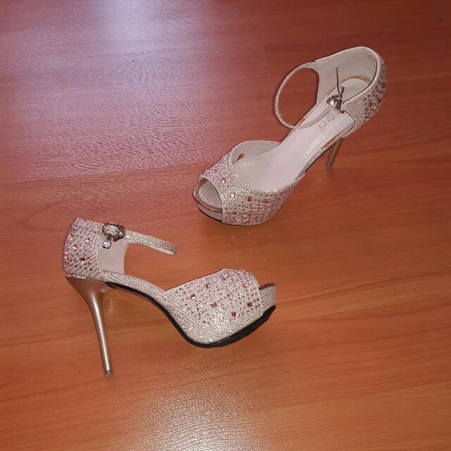 Sepatu Gold Mote2 Salem