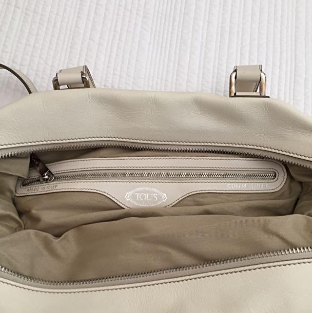 Tod's Off White Colour Leather Handbag