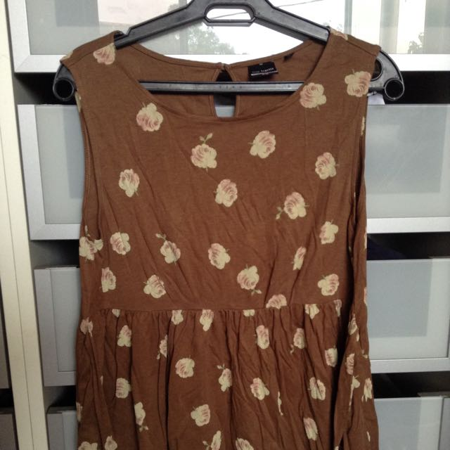 Uniqlo Brown Floral Baby Doll Top