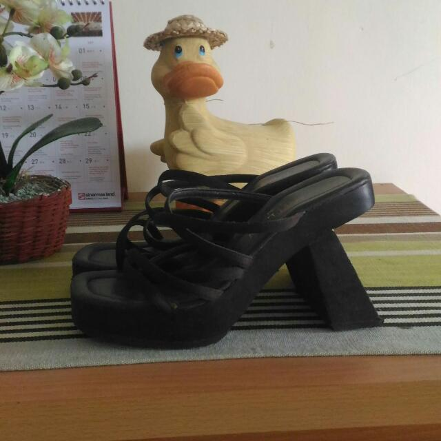 Sepatu Sandal Unique Brown
