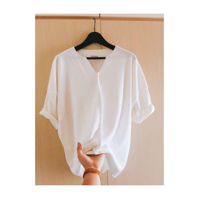 小v白色針織五分袖
