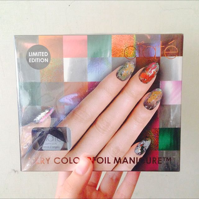 Very COLOURFOIL MANICURE