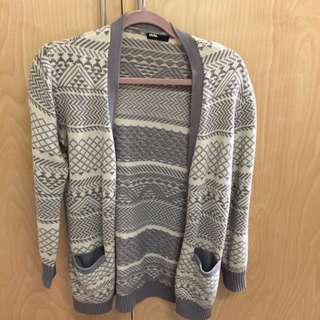 BDG Patterned Sweater Size Small