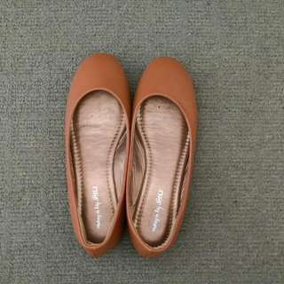 Simple Brown Flats