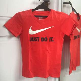 Nike Kaos Olah Raga Gym Wanita Small