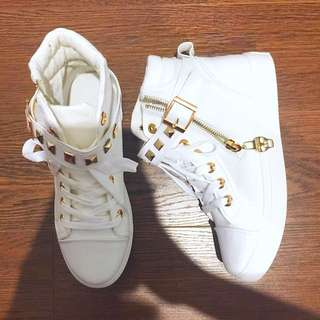 *PENDING* Brand new Studded Shoes