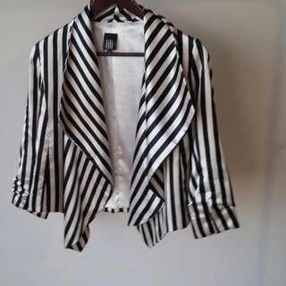 Lili Black & White Jacket