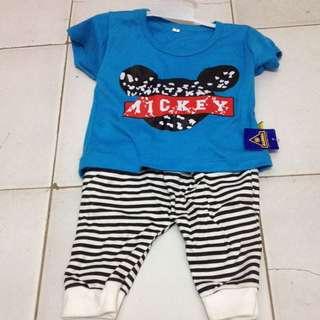 Kaos & Celana Sepasang