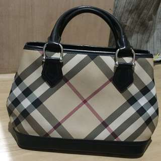 ❣RESERVE❣Authentic Burberry Handbag